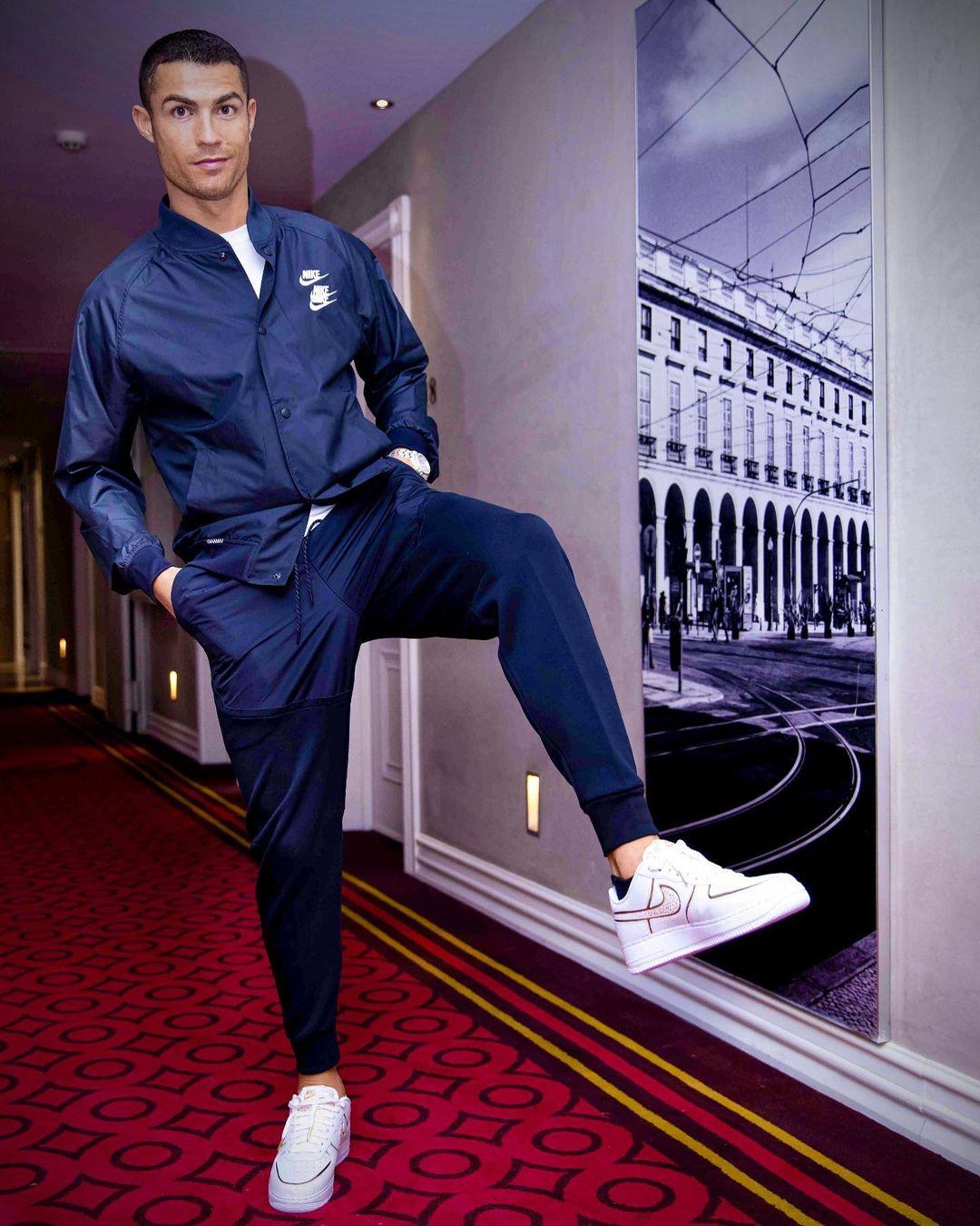 Read more about the article Стильные мужские образы в одежде: основные тенденции моды