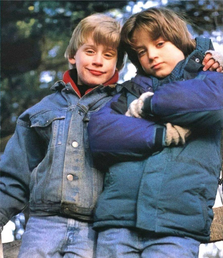Актер Элайджа Вуд и Макалей Калкин в детстве.