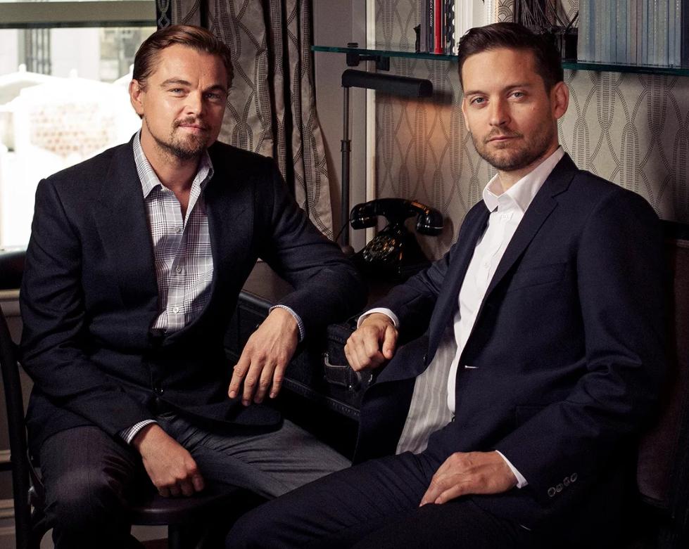 актер Леонардо Ди Каприо (Leonardo DiCaprio) и его лучший друг.