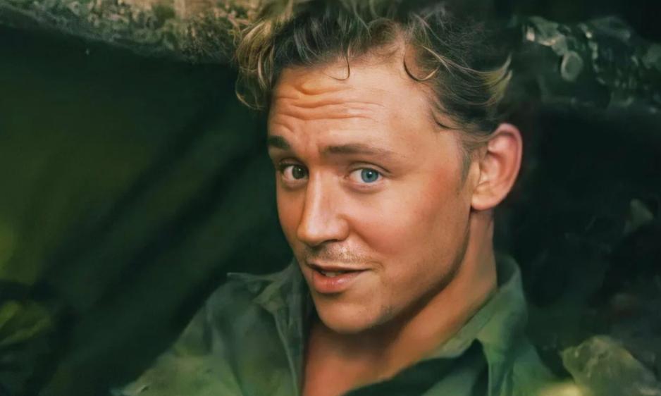 актер Том Хиддлстон в молодости.