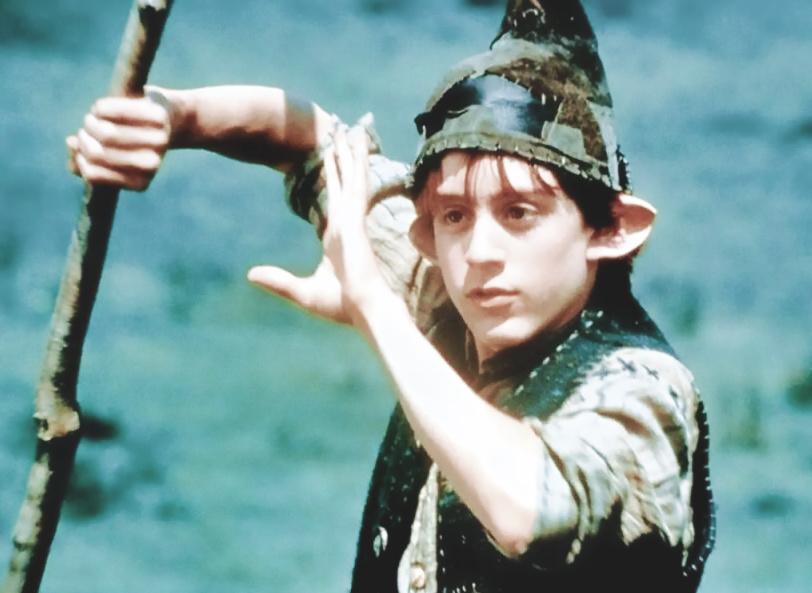 актер Киран Калкин в роли Леприкона.