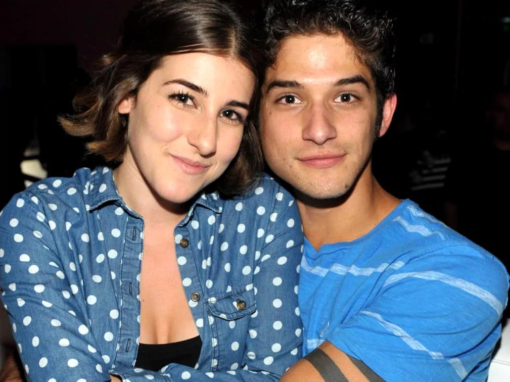 Тайлер Пози (Tyler Posey) в молодости со своей девушкой в обнимку.