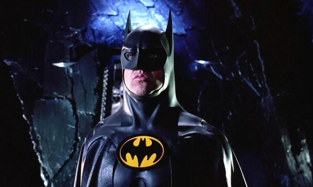 Майкл Китон в роли Бэтмена.