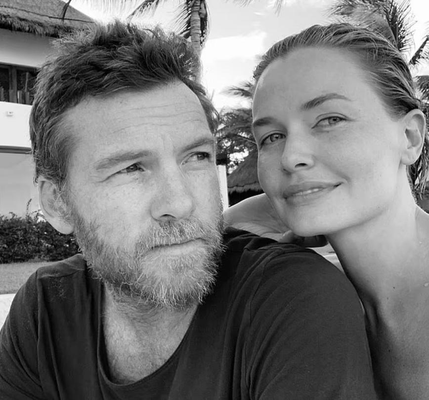 Актер Сэм Уортингтон с женой.